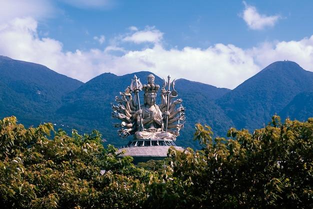 自然環境の仏像 無料写真