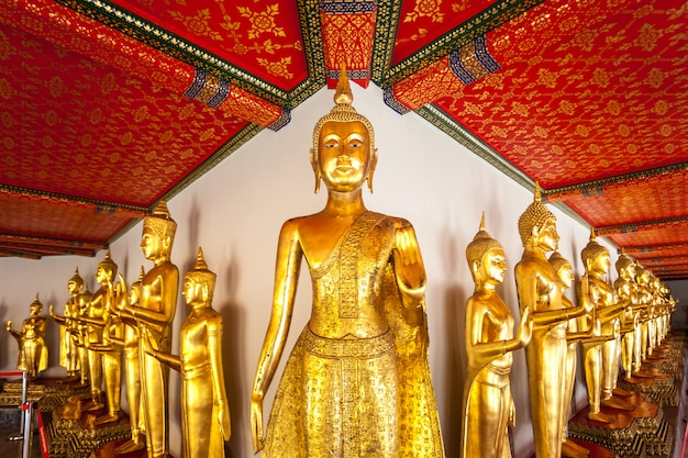 Buddha in wat pho. thailand Premium Photo