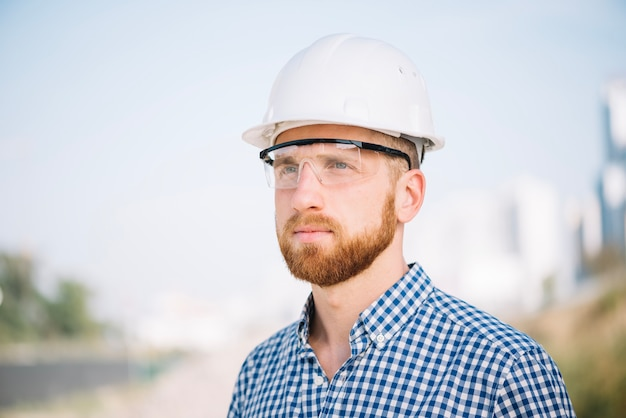 Builder in glasses Free Photo