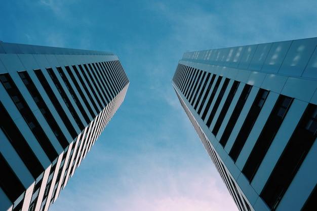 Building architecture in the city Premium Photo