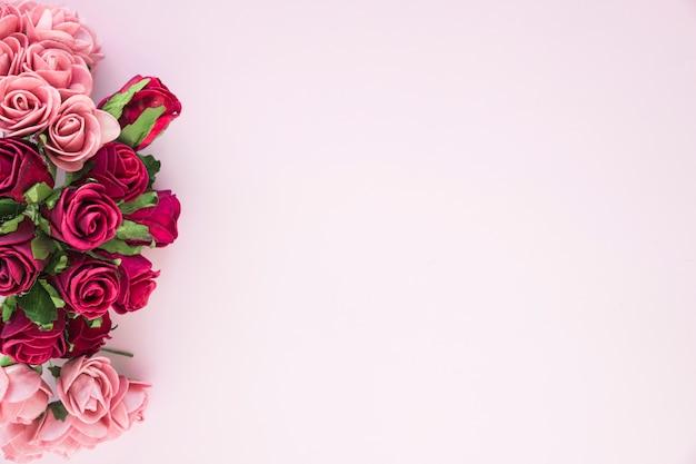 Bunch of amazing fresh roses Free Photo