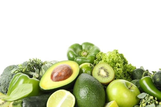 Букет из зеленых овощей изолирован Premium Фотографии