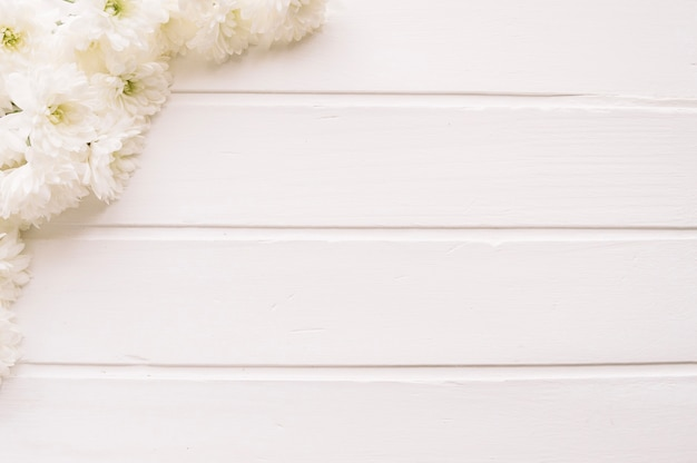 Bunch of white flowers on wood photo free download bunch of white flowers on wood free photo mightylinksfo