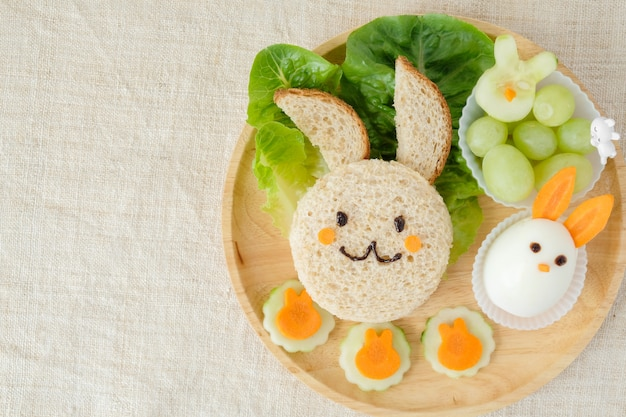 Bunny rabbit easter lunch plate, fun food art for kids Premium Photo