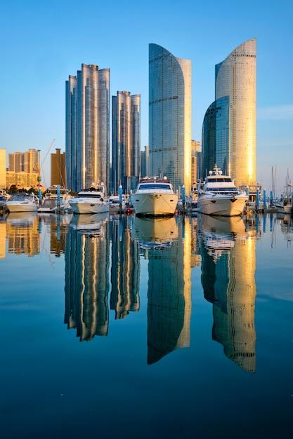 Busan marina with yachts on sunset, south korea Premium Photo