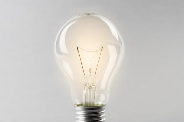 白熱電球、busienssアイデアコンセプト Premium写真