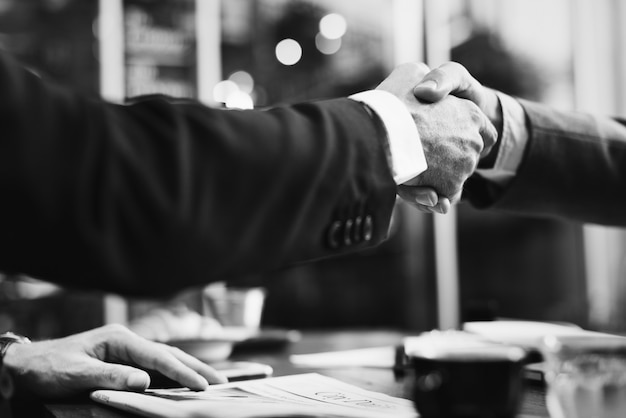Business agreement Free Photo