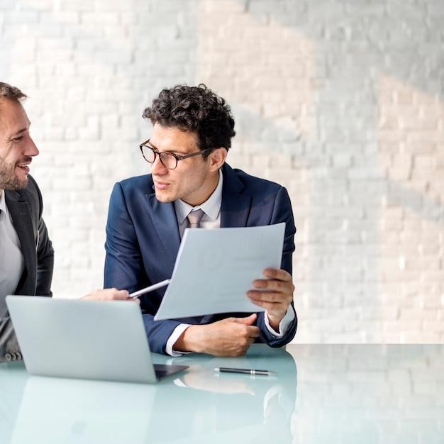 Business brainstorming graph chart report data concept Premium Photo