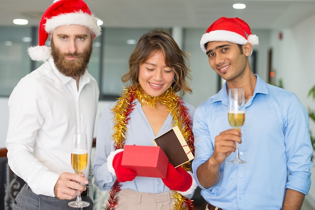 Business group celebrating christmas at office Free Photo