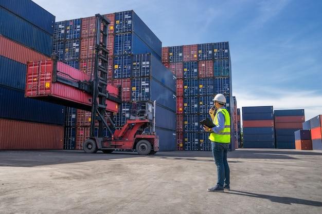 Business logistic concept Premium Photo