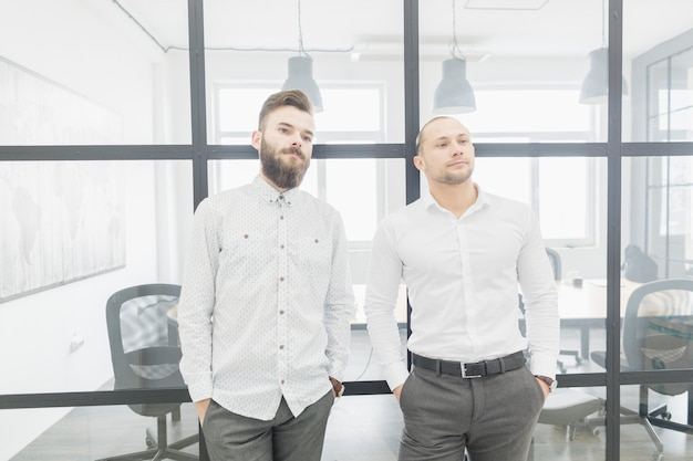 Business people conversating in office Free Photo