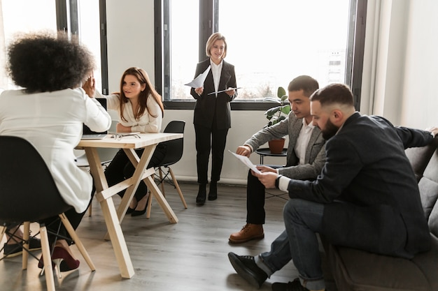 Business people discussing in meeting Free Photo