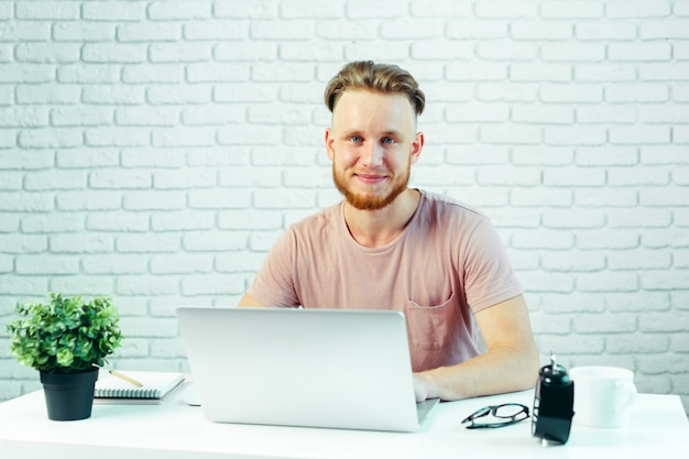 Business person working from home Premium Photo