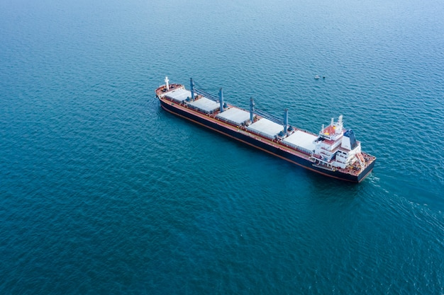 Business shipping cargo import export open sea international fright Premium Photo