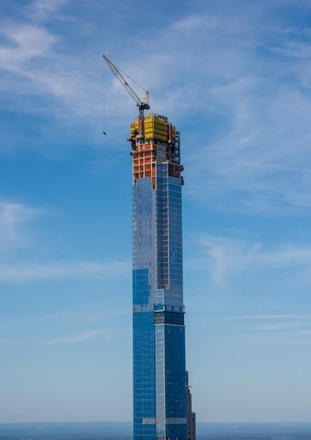 뉴욕시에서 건설중인 비즈니스 타워 프리미엄 사진