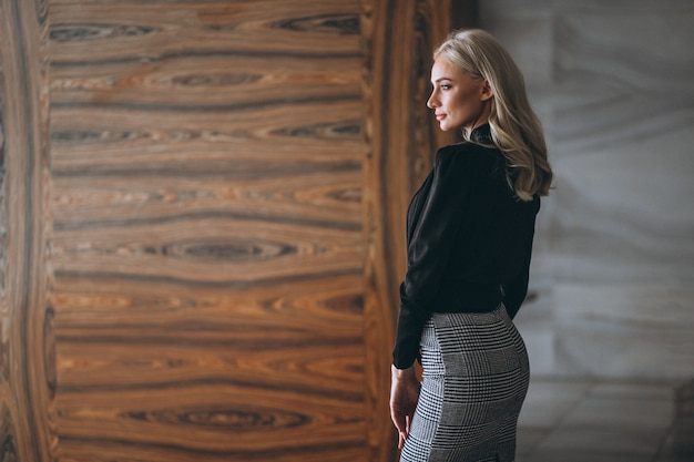 Business woman in fancy outfit Free Photo