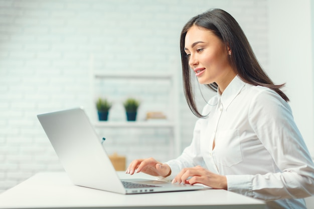 Business woman working in office Premium Photo