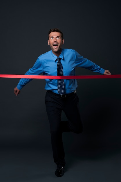 L'uomo d'affari ha raggiunto i suoi obiettivi di business Foto Gratuite