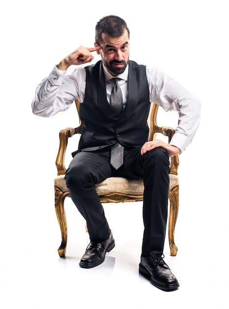 ビジネスマン、狂ったジェスチャーを作る 無料写真