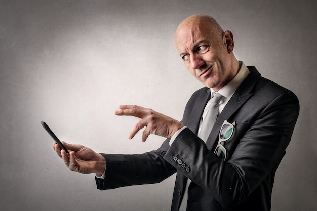 Businessman trying to decide Premium Photo
