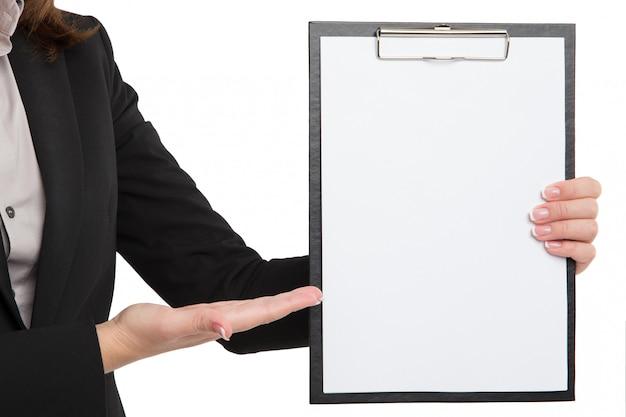 Businesswoman carrying an empty clipboard Premium Photo