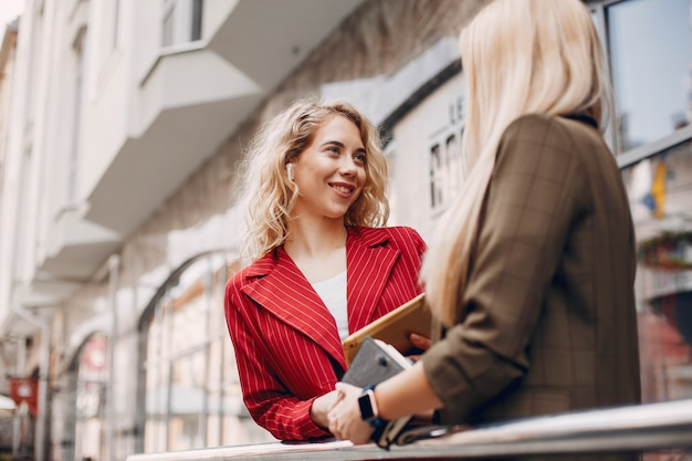 Businesswomen working together Free Photo