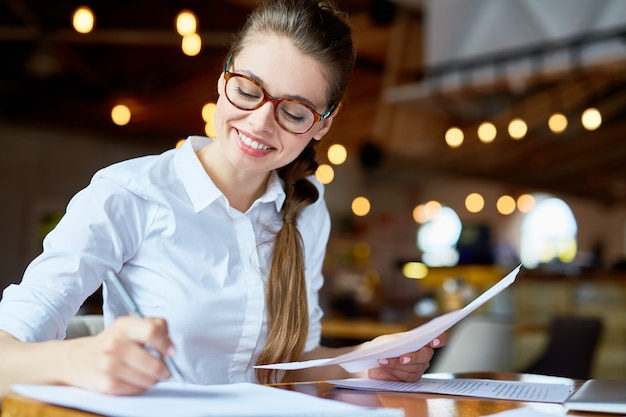 Busy accountant Free Photo