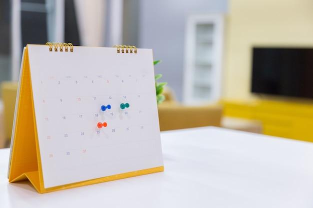 カレンダーイベントプランナーはbusy.calendarです。 Premium写真