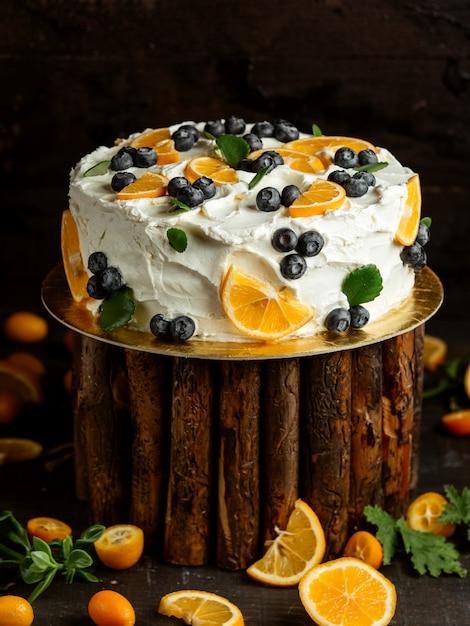 Torta con crema di mirtilli e limone Foto Gratuite