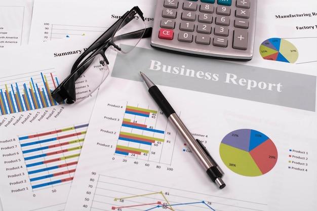 calculation price report data succeed Premium Photo