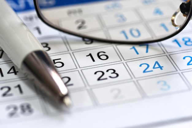 Calendar scheduler in the workplace manager Premium Photo