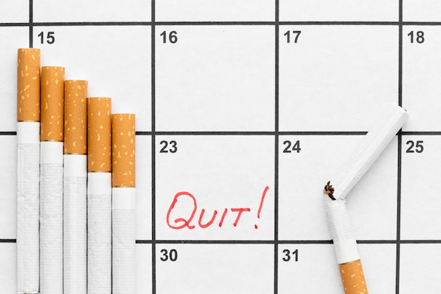 禁煙の日付が入ったカレンダー 無料写真