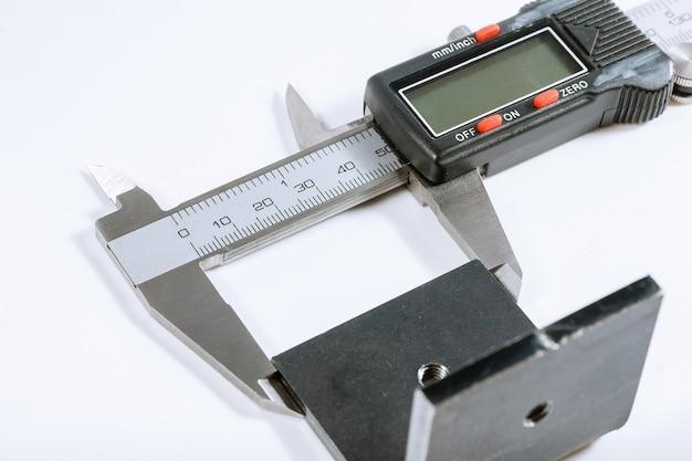 Суппорта. современный цифровой измерительный прибор. точность измерения. Premium Фотографии