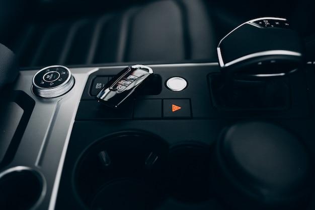 車の要素と内部の詳細 無料写真