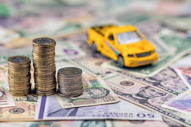 Car and money concept Premium Photo
