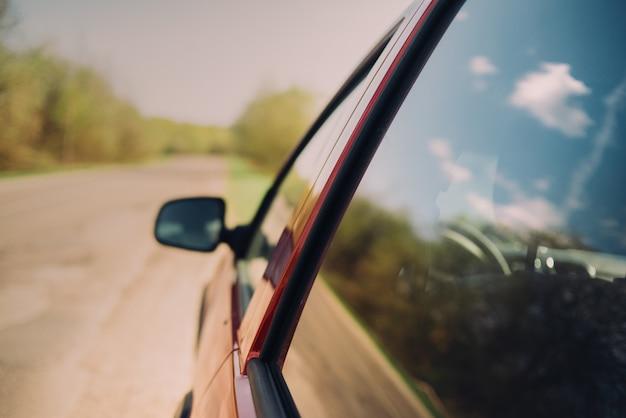 Car window nature summer sunny Premium Photo