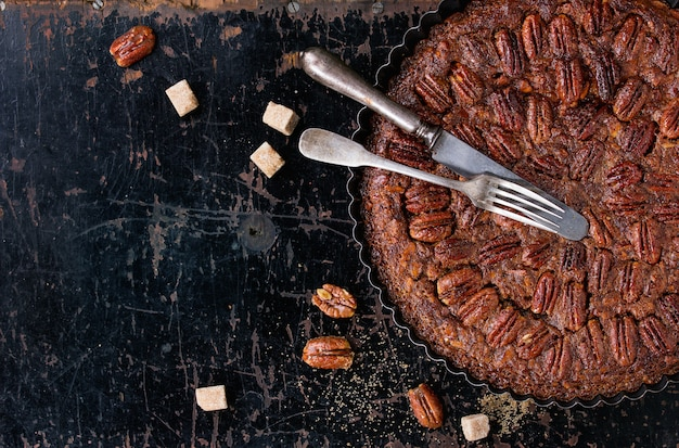 Caramel pecan pie Premium Photo