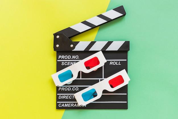 Cardboard 3d glasses on clapboard Free Photo