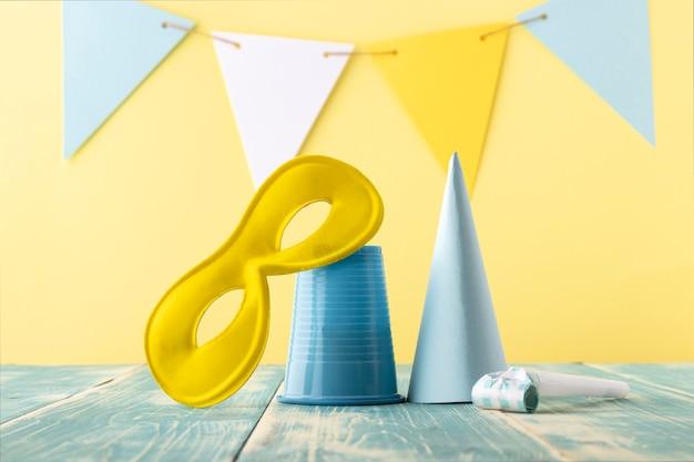 카니발 귀여운 마스크와 파티 모자 무료 사진