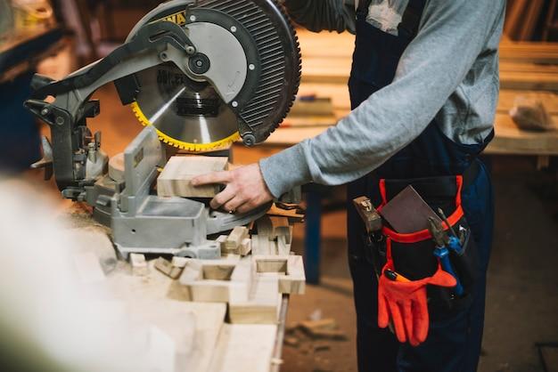 Carpenter working Premium Photo