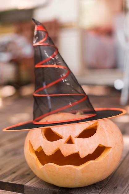 Резная тыква в шляпе ведьмы Бесплатные Фотографии