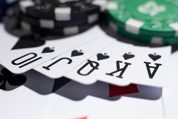 Топ онлайн казино с бонусами