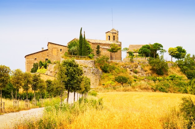 古いカタロニアの村。 castellar de la ribera 無料写真