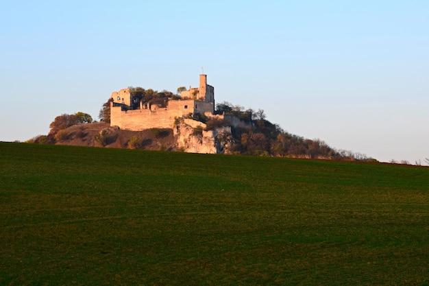 Замок на холме Бесплатные Фотографии