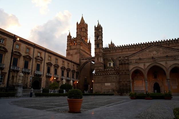 Cathedral of vergine maria santissima assunta in cielo, palermo Premium Photo