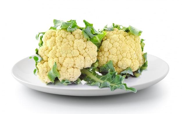 Cauliflower in plate isolated Premium Photo