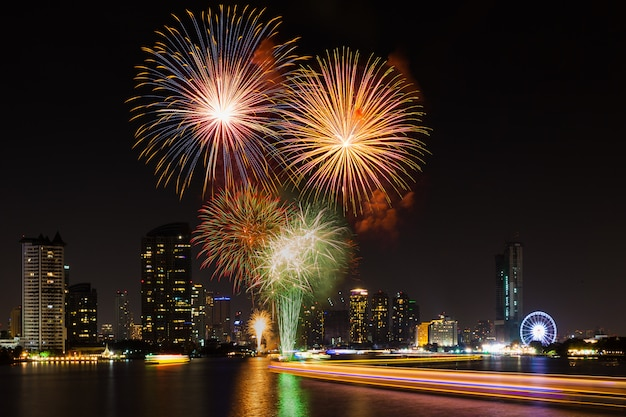 Celebration time in new year party 2016 at asiatique the river front bangkok thailand. Premium Photo