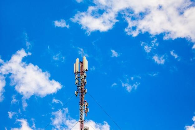 Cellular base station, signal transmission antenna Premium Photo