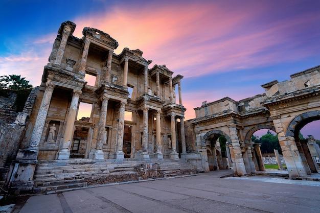Biblioteca di celso all'antica città di efeso a izmir, in turchia. Foto Gratuite