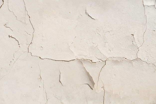 Cement cracked wall Free Photo